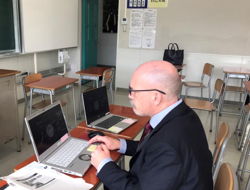 オンライン国際編入試験説明会を実施しました